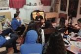 Ο π. Θεμιστοκλής Μουρτζανός, σε ένα ζωντανό διάλογο μέσω Skype, με τα παιδιά των κατηχητικών της Ευαγγελιστρίας Πειραιώς